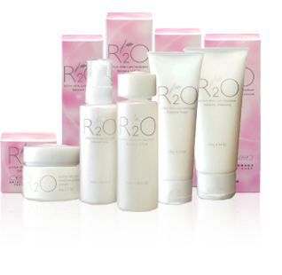 http://www.ozeki.co.jp/english/products/skincare/r2o/images/main_img00.png